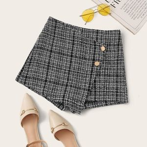 NWT button detail tweed skirt XS/S